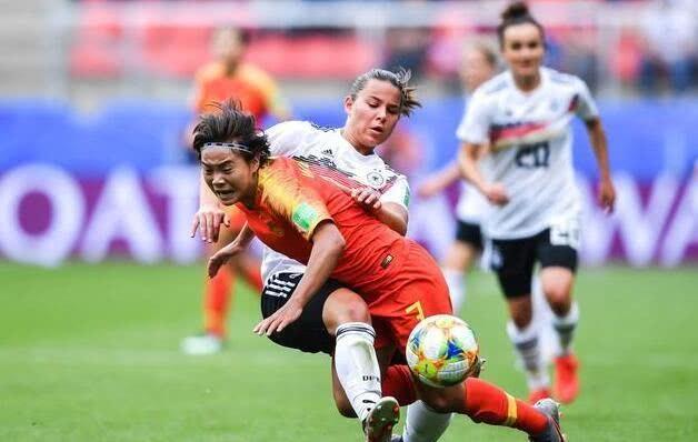 中國女足世界盃惜敗德國!賈秀全一舉動被球迷和媒體過分解讀 【全球體育】 自媒體 第2张