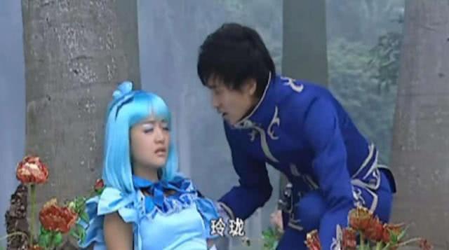 巴啦啦小魔仙:相同的長相,小藍和玲瓏中毒,遊樂舉動明顯更愛她 【二次元秘密部落】