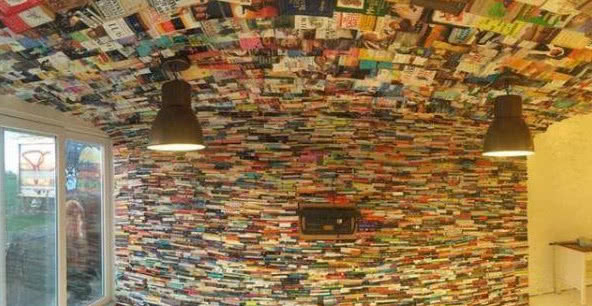 男子買回四千多本舊書,一番裝修後鄰居紛紛都來參觀! 【新房裝修設計指南】 自媒體 第1张