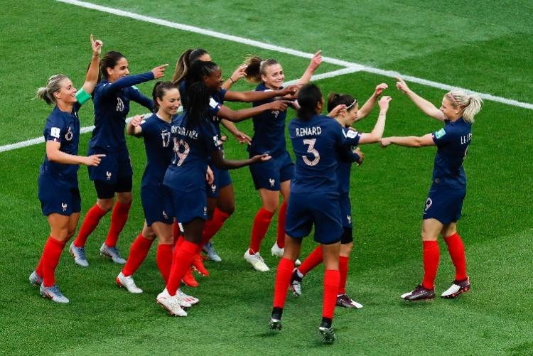 法國女足世界盃開幕,中國女足今晚亮相首戰勁敵德國隊 【南方都市報】