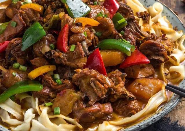 新疆獨有的人間美味:手抓飯只能墊底,尤其第一種,當地人離不開 【美食大幫】
