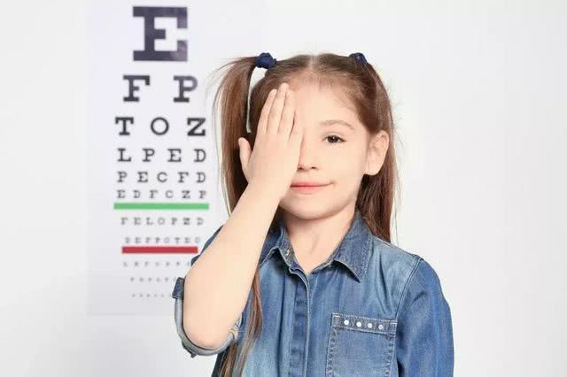 近視爆發的年齡段是多少歲?眼科專家:呵護眼健康做好6件事 【祥光堂養生圈】