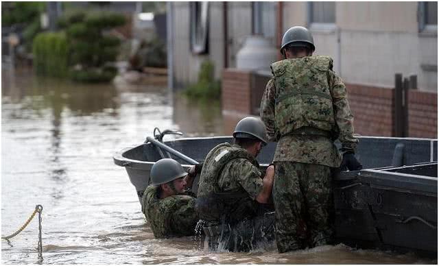 日本3縣7市遭天災,22萬人被迫疏散,美國大兵無動於衷? 【軍備連連看】