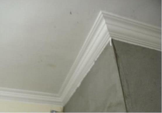 越來越多人天花板用上了石膏線裝飾,就算沒吊頂也好看,太聰明了 【識傢居】