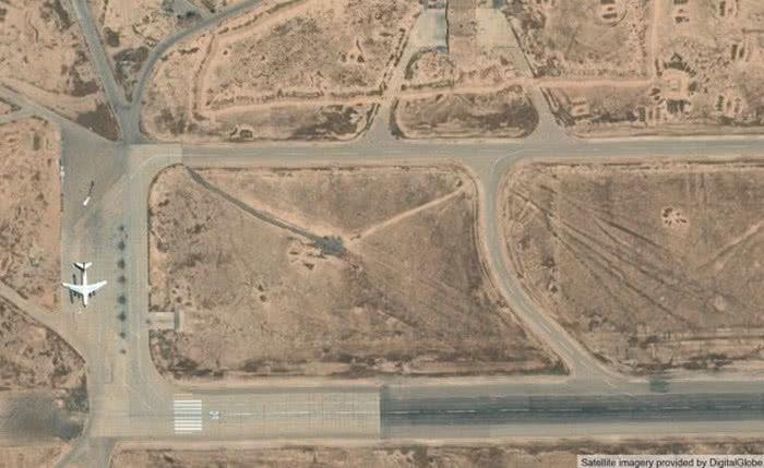 一架軍機剛卸下大批武器,美盟友導彈如約而至,伊朗沉默了 【蒼穹長劍】 自媒體 第2张