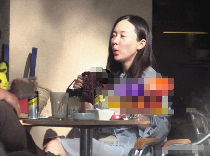 霍思燕杜江帶嗯哼與好友聚會,兒子親手喂她吃冰糕把她當公主寵 【燙手煽娛】
