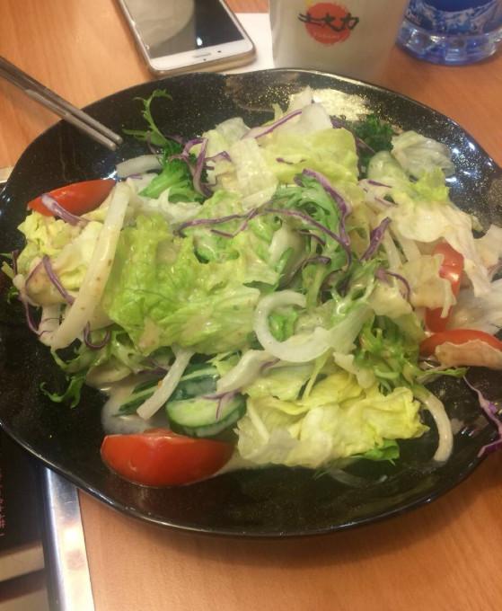 為何中國人不愛吃蔬菜沙拉?這2點理由,估計老外都要無語了! 【往來美食】