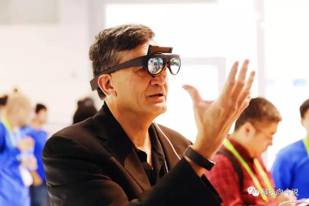 不做丑陋的东西AR眼镜Rokid glass有自己的