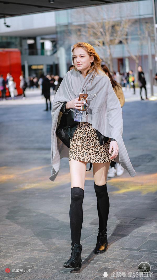 街拍:拉近自己与时尚之间的距离,多了解一些当下的时尚元素