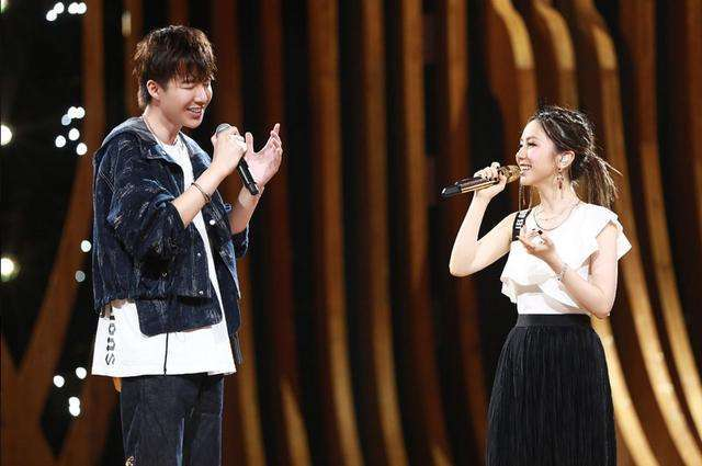 網紅歌手身價排名:劉宇寧半億僅排第三,第一出道就開20家公司 【老王撩遊戲】