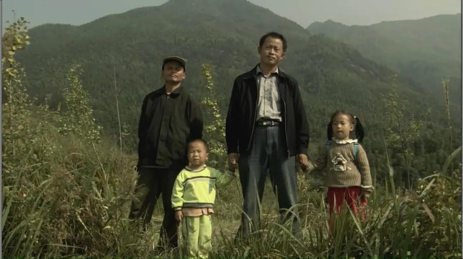 看了《遥望南方的童年》,网友直呼太好哭了!(图1)