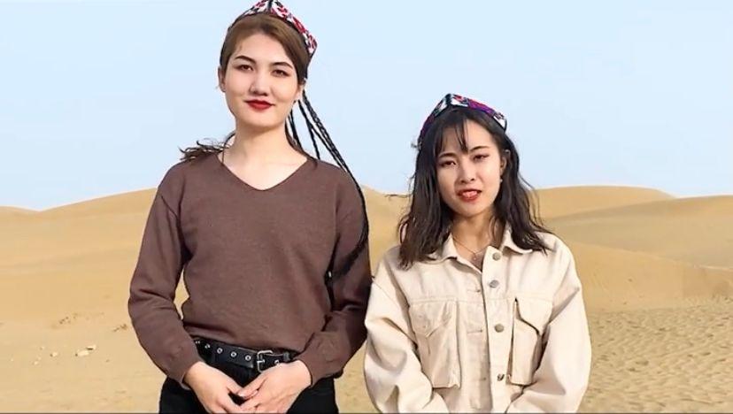 """被外网""""封杀""""的两个新疆姑娘告诉你:新疆到底有多好?"""